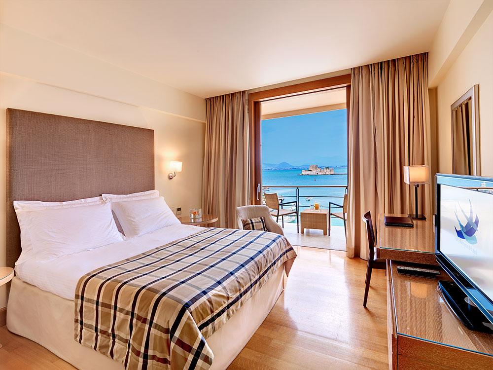 Luxury Amphitryon Hotel in Peloponnese with seaview